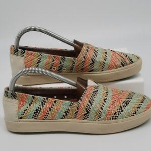 TOMS Size 8 Woven